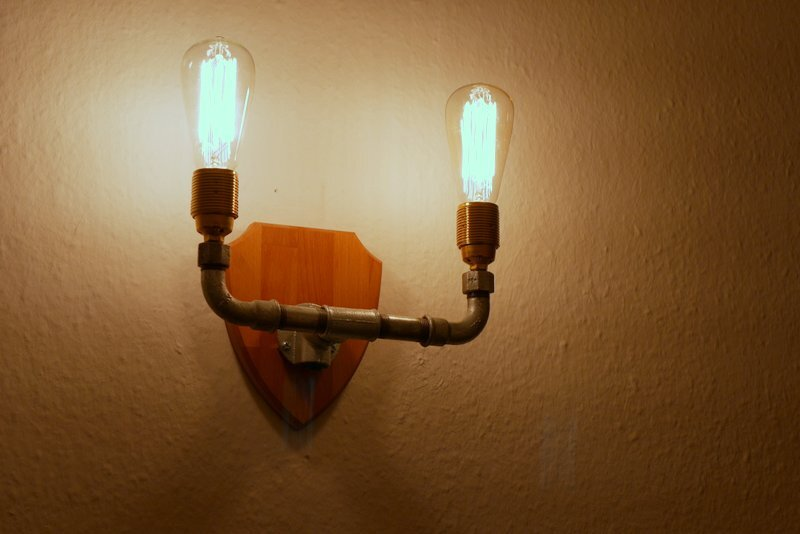 Steampunk wall lamp DIY